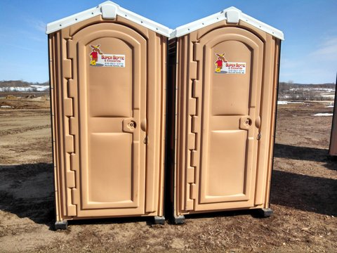 portable-toilet-rental-04302013-cs